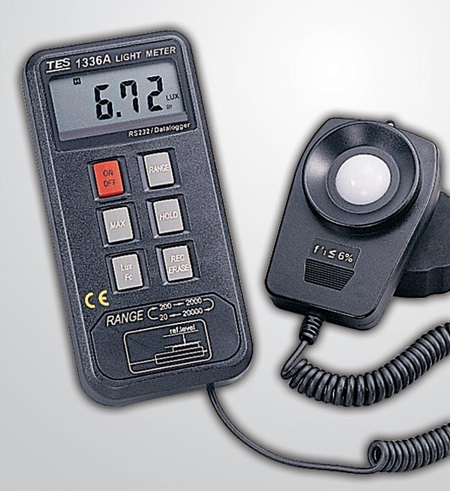 记忆式照度计TES-1336A